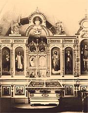 Александро-Невский собор. Боковой придел храма во имя святого великомученика Георгия Победоносца.