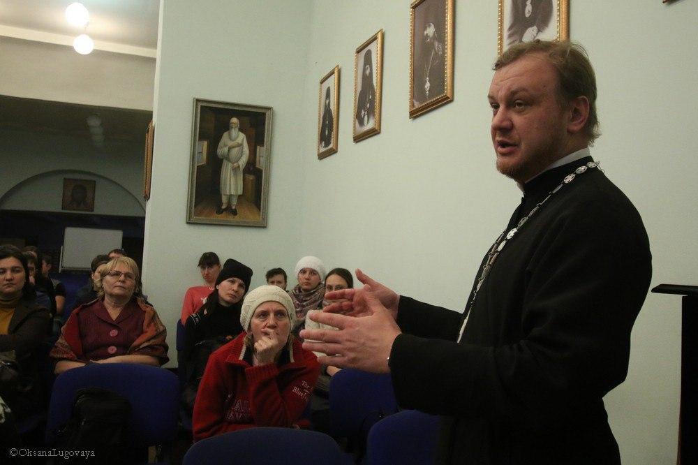 8 Молодёжным клубам Новосибирска и Томска презентован проект 'Родиновед'