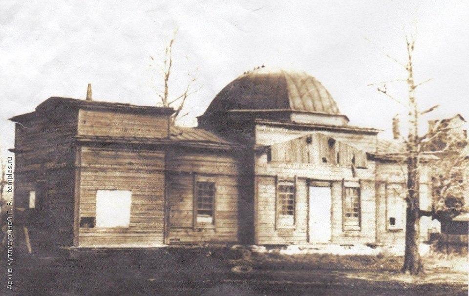 Храм Михаила Архангела в селе Листвянка
