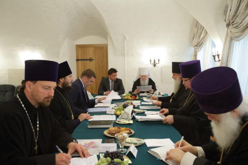 Митрополит Ювеналий, Московская область, восстановление святынь