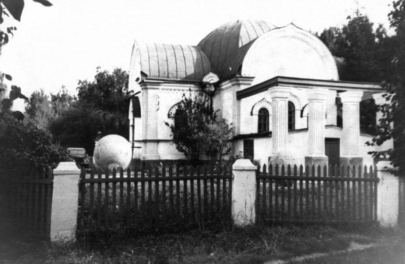 Барнаул, планетарий, Крестовоздвиженская церковь