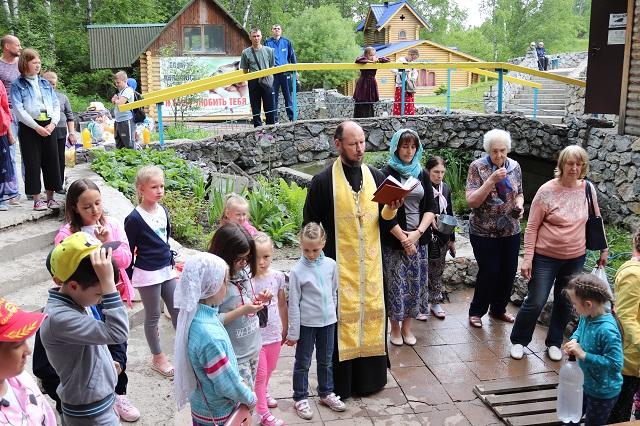 Ветераны посетили Святой источник микрорайона Ложок г. Искитима