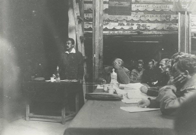 1921.09 - суд над Унгерном. Выступает Ярославский.jpg