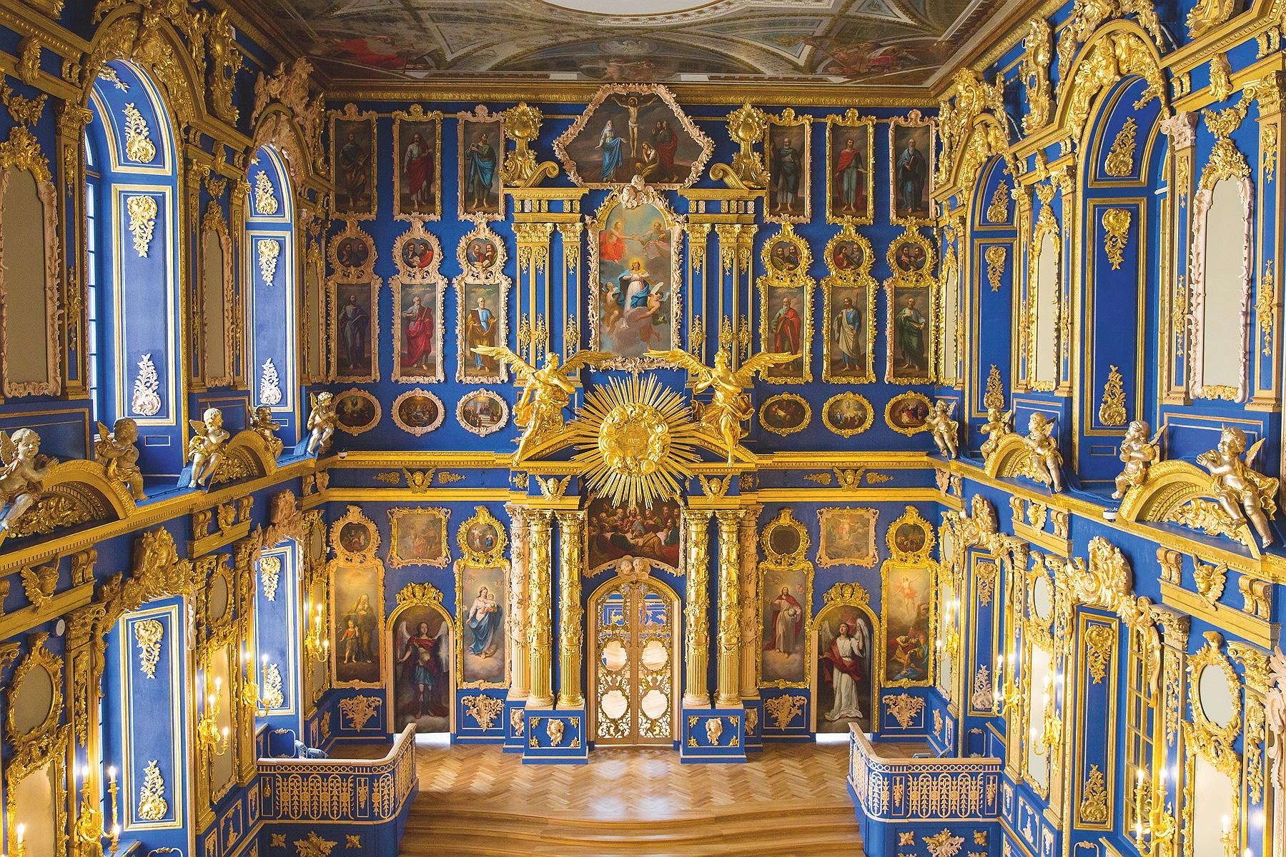 Храмы при петербургских дворцах-музеях могут стать действующими